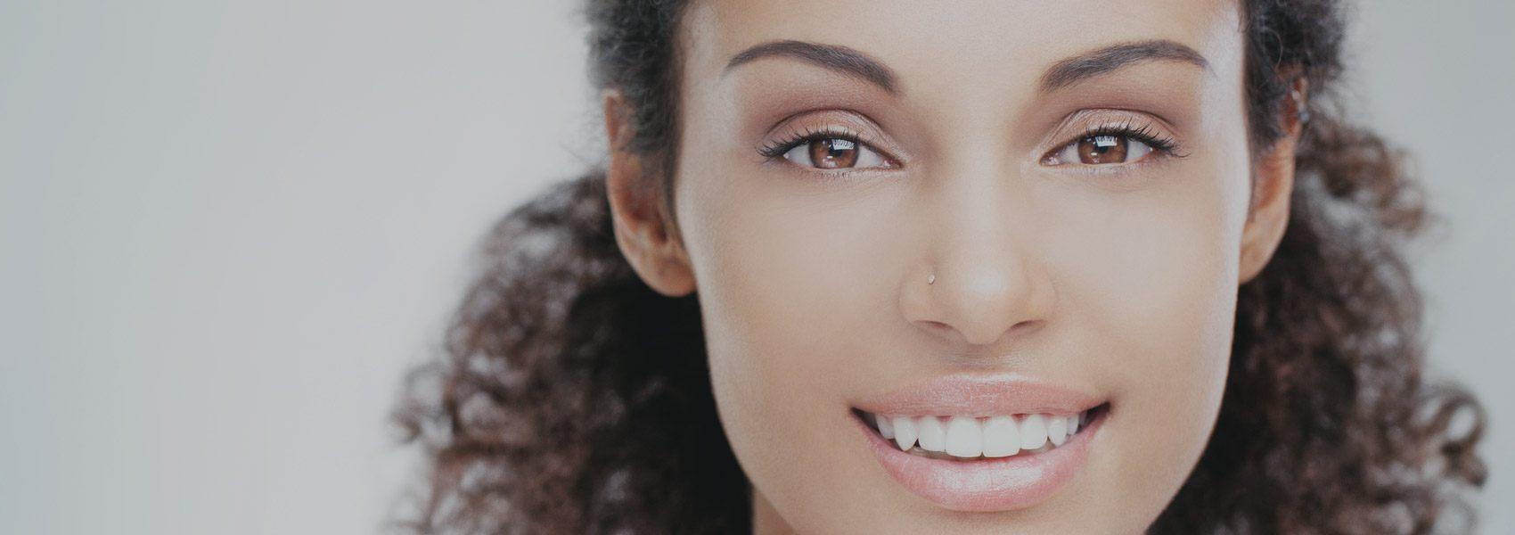 Porcelain Veneers - Distinctive Dentistry